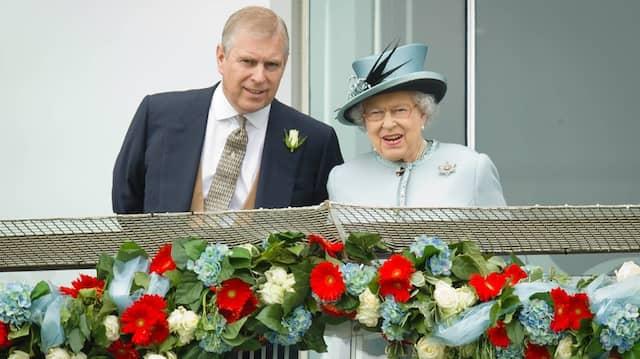 """""""Vorzeitiger Ruhestand"""": Prinz Andrew hat die Queen gebeten, ihn für die """"absehbare Zukunft"""" von seinen öffentlichen Aufgaben zu entbinden."""