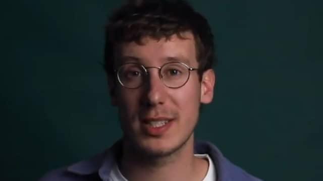 """Der Geschäftsführer der """"Krautreporter"""", Leon Fryszer, erklärt im Video die finanzielle Situation."""