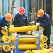 Chinesische Arbeiter in einer Fabrik in der Stadt Hangzhou
