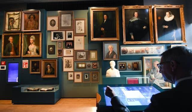 Sie machen Frankfurt aus: Porträts wichtiger und unbekannterer Bürger. Wer möchte, kann sich in ihre Biografien vertiefen.