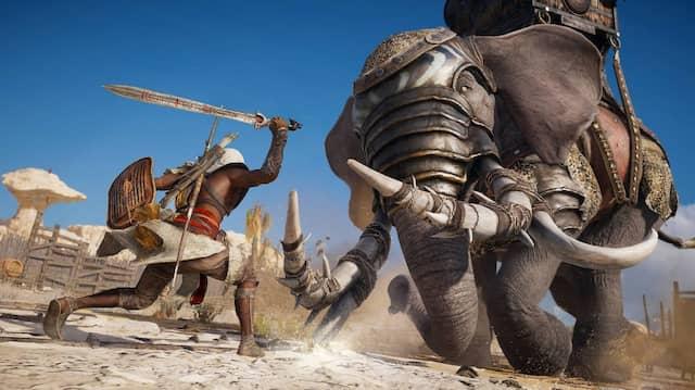 """An Gegnern herrscht in der neuen Ausgabe von """"Assassins's Creed"""" kein Mangel, wie üblich. Bayek kämpft vor historischer Kulisse gegen gepanzerte Elefanten ..."""