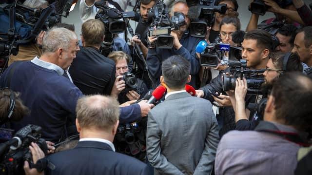 Journalistenalltag: Reporter befragen den Hongkonger Demokratieaktivisten Joshua Wong bei seinem Besuch Mitte September in Berlin.