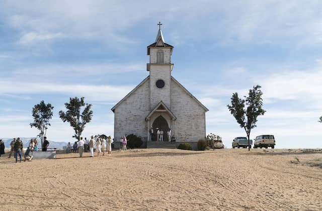 Gleich kommt noch ein Busch vorbeigeflogen: Der Arbeitsplatz des Preachers ist nicht gerade eine Kathedrale in der Wüste.