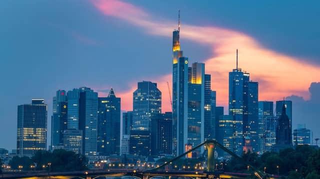 Skyline mit den Bankentürmen des Frankfurter Finanzviertels
