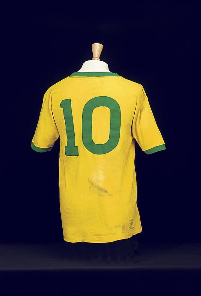 Ein Traum in Gelb: Für Pelés Trikot aus dem WM-Finale 1970 in Mexiko-Stadt wurden 140.000 Pfund bezahlt.