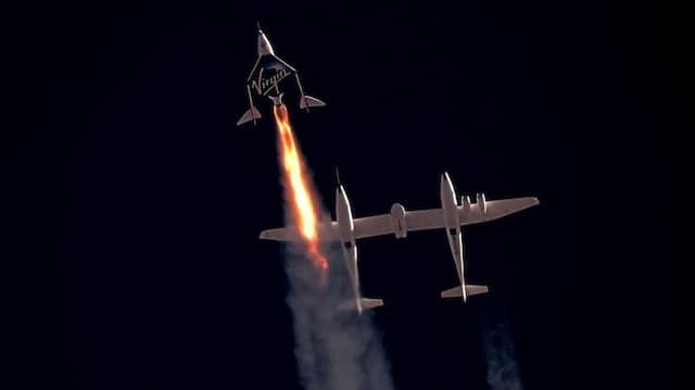 Weit oben: Bei den Flügen ins All werden Ruß- und Aluminiumpartikel direkt in der Stratosphäre ausgestoßen.
