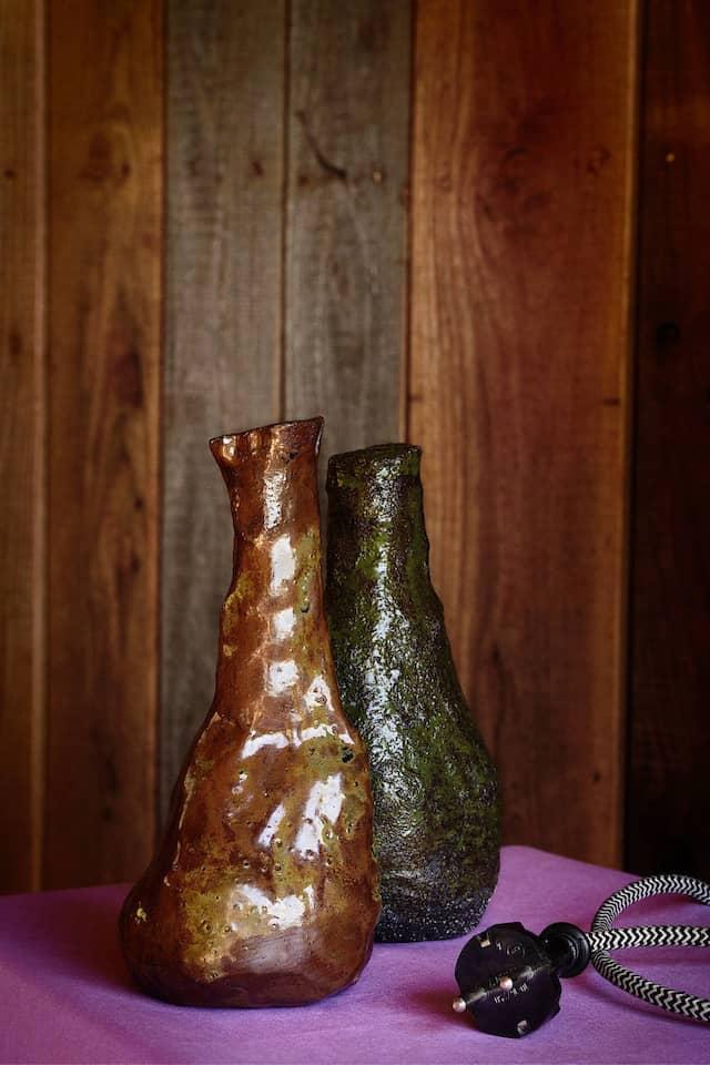 Neigen sich der Sonne entgegen: Vasen von Kirsten Landwehr