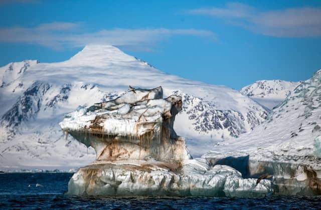 Gefährliche Schönheit: ein Eisberg in der Arktis.