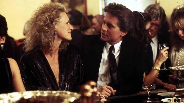 """Für """"Eine verhängnisvolle Affäre"""" war Close (hier mit Michael Douglas) für einen Oscar nominiert."""