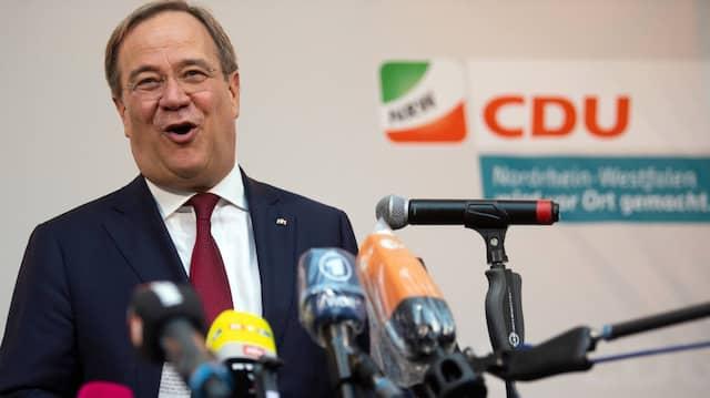 Mit dem Ausgang der Kommunalwahlen und seiner Corona-Politik zufrieden: Ministerpräsident Armin Laschet (CDU)