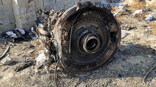 Trümmer des bei Teheran abgeschossenen ukrainischen Flugzeugs im Januar