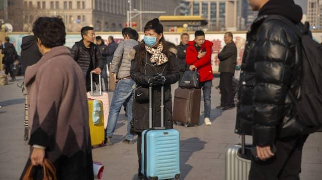 Reisen gelten als besonders problematisch im Hinblick auf die Verbreitung einer neuartigen Lungenkrankheit in China.