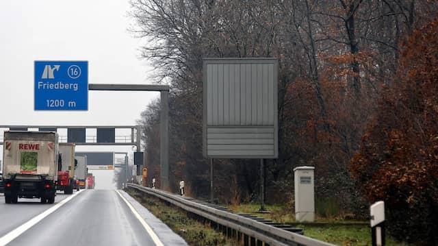 Unfallort: Unweit der Anschlussstelle Friedberg fuhren mehrere Autos ineinander