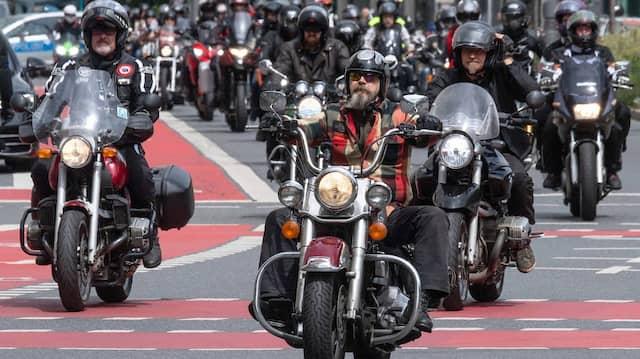 Motorradfahrer-Protest in Frankfurt