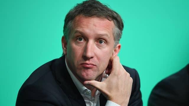 Wir sind über die regelmäßigen öffentlichen Auftritte von Herrn Mäurer mit dieser so negativen Haltung gegenüber dem Profifußball irritiert: Frank Baumann