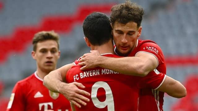 Augen zu, durchatmen: Leon Goretzka (rechts) und der FC Bayern siegen gegen Köln.