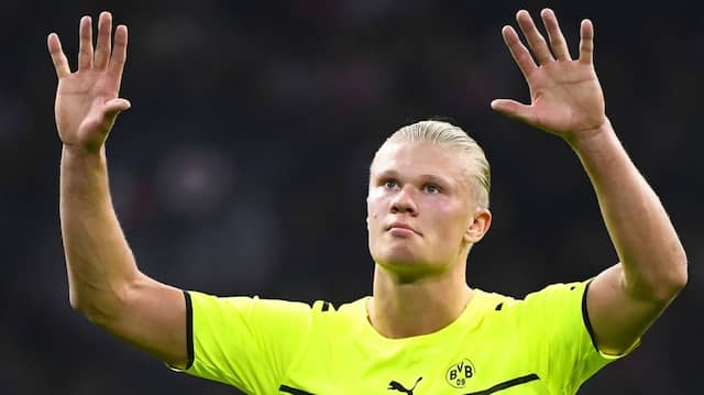 Das war nichts, bitte verzeiht uns! Erling Haaland vor den Dortmunder Fans
