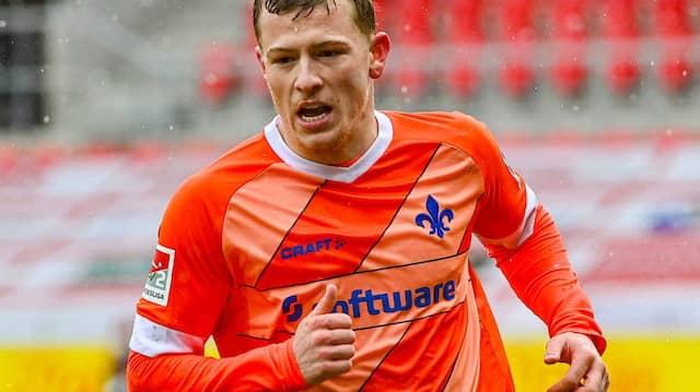 Frühe Freude: Tim Skarke bringt Darmstadt in Führung.