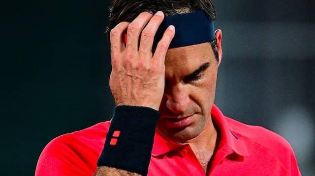 Roger Federer gewinnt zwar, aber ob er zum Achtelfinale nochmal antritt, ist vorerst unklar.