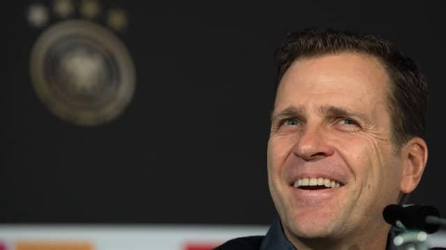 Das Telefoninterview für den Job als Mannschaftskoch führte Teammanager Oliver Bierhoff.