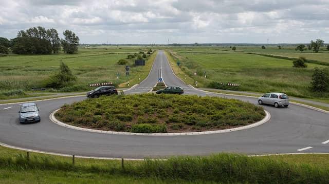 Kreisverkehr vor der Umgehungsstraße von Bensersiel.