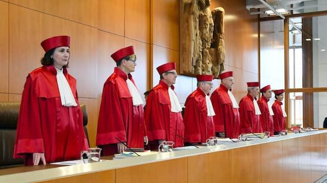 Das Bundesverfassungsgericht befasst sich mit dem Numerus Clausus für das Medizinstudium. Der NC ist für viele ein Grund es im Ausland zu versuchen.