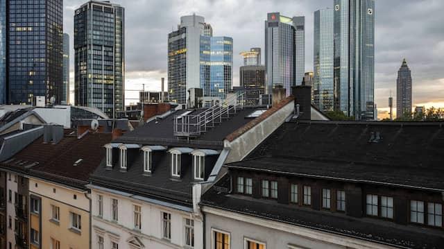 Kennt man sich mit Blick auf das Finanzzentrum Frankfurt besser mit Gelddingen aus als anderswo in Deutschland?