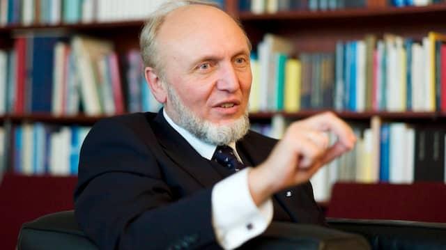 Kinder und Enkel vor den Folgen einer Bankenunion bewahren: Das will die Gruppe um den Ifo-Chef Hans-Werner Sinn.