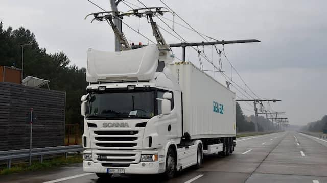 In Brandenburg gibt es schon eine Teststrecke für Oberleitungs-Lkw