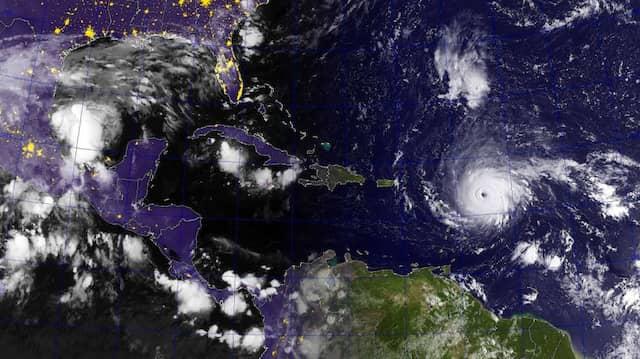 """Das Übersichtsbild zeigt die Annäherung von  """"Irma"""" an die karibischen Inseln."""