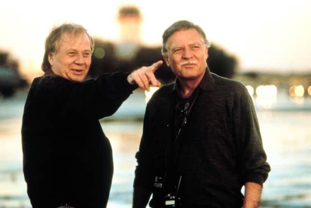 """Mit Wolfgang Petersen während der Dreharbeiten zu """"Air Force One"""""""