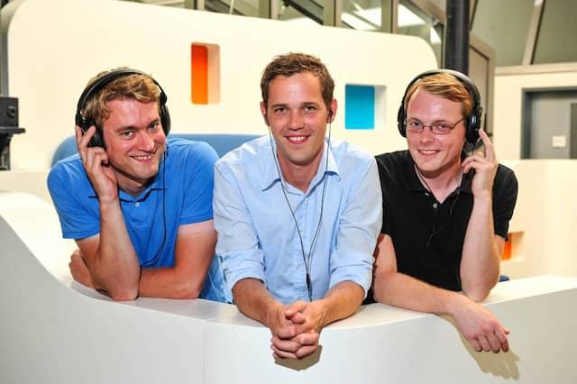"""Das Gründerteam des Hamburger Unternehmens Sonormed: von rechts Matthias Lanz, Jörg Land und Adrain Nötzel. Sonormed gewann den Wettbewerb mit """"Tinnitracks"""", einer Musiktherapie gegen Tinnitus."""