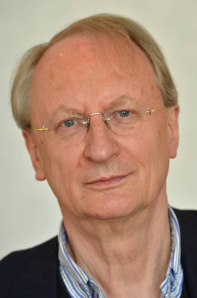 Klaus Staeck ist Künstler und war bis Mai 2015 Präsident der Akademie der Künste in Berlin.